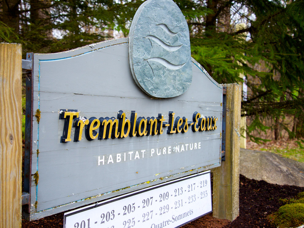 Sign of the condo area Tremblant-les-eaux in Mont-Tremblant